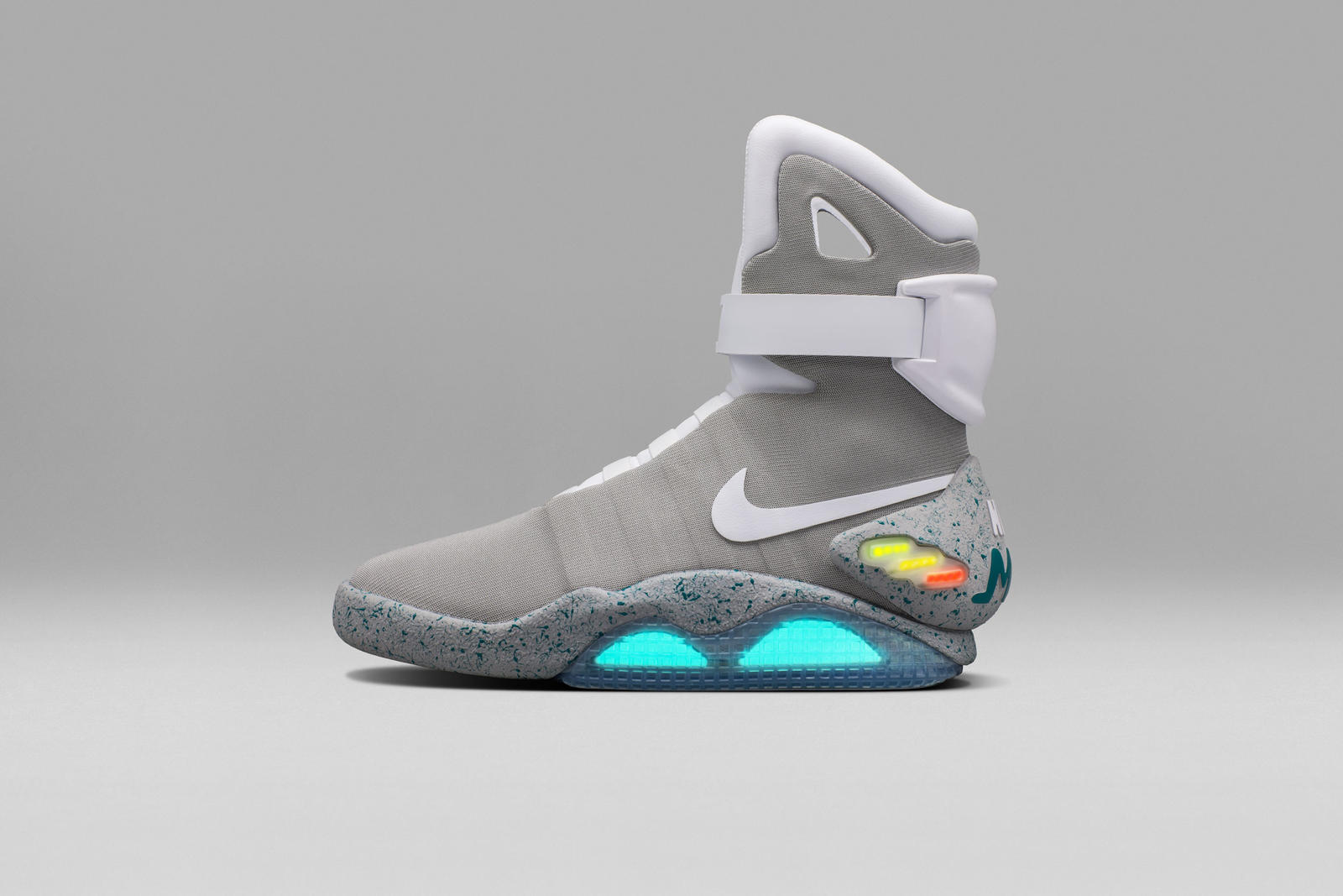 nike-mag-2016-official-02_native_1600-1